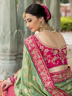 Indian Wedding Saree Latest Designs & Trends Collection includes beautiful styles of bridal wear sarees for Pakistani, Bengali, Asian women! Best Indian Sari Click above VISIT link to see Latest Saree Trends, Latest Designer Sarees, Latest Sarees, Designer Sarees Wedding, Sari Blouse, Latest Saree Blouse, Blouse Neck, Sari Design, Collection 2017
