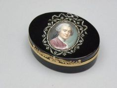 Ovale snuffbox in tortoise with gold marks for 1773