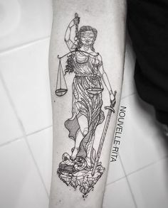 Instagram media by nouvellerita - #nouvellerita #justice #lady #tattoo #tattrx #linework #blackworkers
