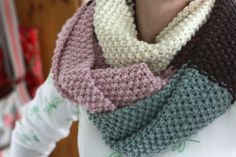 Around the Block: An easy peasy colour block cowl free pattern.
