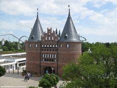 """051. Hansa-Park. Sierksdorf. Germany. Der Hansa-Park ist ein saisonaler Freizeitpark in Sierksdorf (Schleswig-Holstein) an der Ostsee. Er wurde am 15. Mai 1977 unter dem Namen Hansaland eröffnet und 1987 in """"Hansa-Park"""" umbenannt. Er umfasst heute 460.000 m², mit mehr als 125 Attraktionen. Von 1973 bis 1976 befand sich auf dem Gelände das erste deutsche Legoland."""