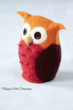 "felted lamp owl Tischlampe Eule "" UHUra"" rot orange von Happy Felt Company auf DaWanda.com"