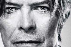 REGBIT1: Minha homenagem  David Bowie , escuto sua música.