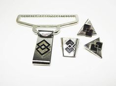 New Listings Daily - Follow Us for UpDates -  Spring Sale Description & Style:    #Modernist Bolo Slider and Collar Tips - Silver Tone & Black Enamel - #Geometric Interlocking Diamond Shapes - #Vintage 1950s 1960s Mid Cen... #vintage #jewelry #teamlove #etsyretwt #ecochic #geometric #thejewelseeker #modernist