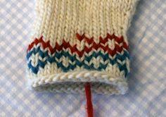 Duplicate stitch- Warm winter mitts - free knitting pattern