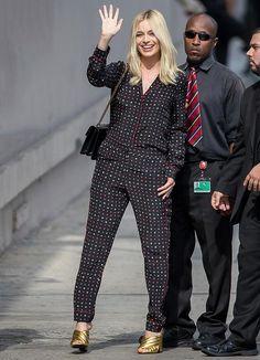 Margot Robbie, con un look tipo pijama