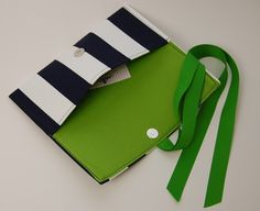 Navy Blue and Kelly Green, a color marriage made in Heaven!