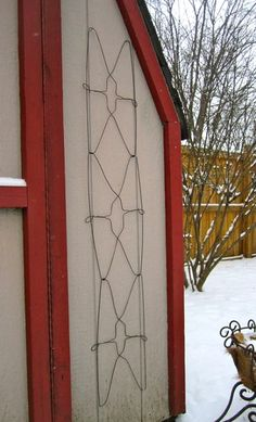Neat idea for a garden trellis from Dysfunctional Designs: this one is created from six wire hangers. Check out her how-to!