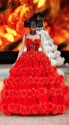 Alexander McQueen Spring 2013 Ready-to-Wear Collection via Très Haute Diva