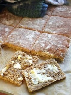 Easy like Sunday morning: helppo ja nopea ruisleipä Baking Recipes, Snack Recipes, Dessert Recipes, Desserts, I Love Food, Good Food, Yummy Food, Coffee Bread, Savory Pastry