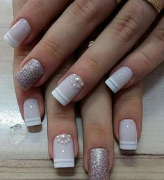 Semi-permanent varnish, false nails, patches: which manicure to choose? - My Nails Love Nails, Pretty Nails, My Nails, Bling Nails, Bridal Nails, Wedding Nails, Acrylic Nail Designs, Nail Art Designs, Acrylic Nails