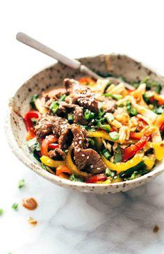 Low FODMAP Recipe and Gluten Free Recipe - Seared sesame beef with pepper, zucchini & noodles -- http://www.ibs-health.com/low_fodmap_seared_sesame_beef_pepper_zucchini.html