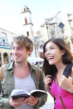 20 Non-Awkward Ways to Meet People While Traveling Solo