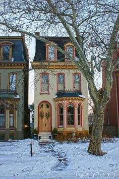 love this victorian house