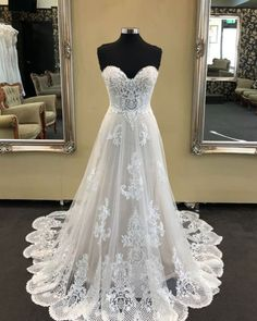 2019 White sweetheart neck long A-line beaded wedding dress, lace prom dress from Sweetheart Dress 2019 White Schatz Hals lange A-Linie Perlen Brautkleid, Spitze Abendkleid [. Western Wedding Dresses, Black Wedding Dresses, Cheap Prom Dresses, Wedding Dress Styles, Ball Dresses, Ball Gowns, Event Dresses, How To Dress For A Wedding, V Neck Wedding Dress