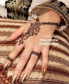 Hena – Source by Please send us the posts you want removed. Henna Tattoo Designs Simple, Rose Mehndi Designs, Finger Henna Designs, Henna Art Designs, Mehndi Designs For Fingers, Unique Mehndi Designs, Mehndi Design Pictures, Beautiful Mehndi Design, Hena Designs