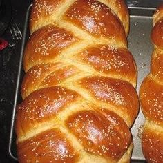 I have a two pound bread machine and use it to make the Challah dough. It freezes well. Cooking Bread, Bread Baking, Cooking Ham, Cooking Salmon, Cooking Turkey, Challah Bread Recipes, Challah Bread Recipe For Bread Machine, Bread Machine Recipes, Desserts