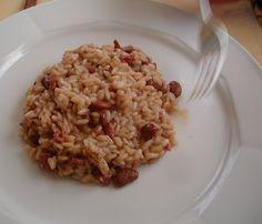 Panissa.  È un risotto con salamino della duja (sotto grasso), lardo e fagioli di Saluggia, anche questi un prodotto tipico della pianura vercellese.