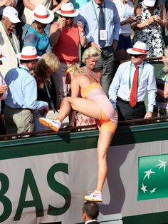 Maria-Sharapova-lol her foot on that mans head!!!!!