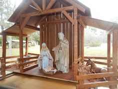 Reclaimed Wood Nativity Stable Creche by TheMomandPopWoodshop Christmas Yard Art, Christmas Nativity Scene, Christmas Wood, Christmas Pictures, All Things Christmas, Christmas Crafts, Christmas Decorations, Christmas Manger, Xmas
