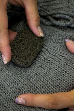 Cómo quitar bolitas de los suéteres
