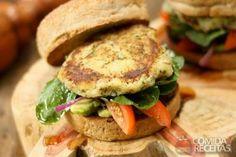 Receita de Hambúrguer de batata doce com quinoa em receitas de legumes e verduras, veja essa e outras receitas aqui!