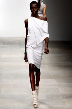 Todd Lynn Spring 2012 Ready-to-Wear Fashion Show - Ataui Deng
