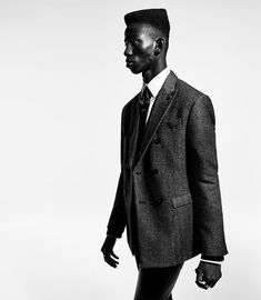 Discover ZARA MAN's Fall Winter campaign captured by fashion photographer Craig McDean, with creative direction from Fabien Baron. Craig Mcdean, Fabien Baron, Teddy Boys, Zara Man, Funky Fashion, Zara United States, Advertising Campaign, Fashion Editor, Look