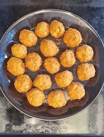 Hotelli Mamma - Kasvisruokaa koko perheelle: Falafelit (joita lapsetkin rakastavat) Vegan Recipes, Snack Recipes, Snacks, Vegan Food, Falafel, Finger Foods, Food Inspiration, Berries, Muffin