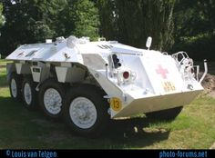 This Royal Dutch Army DAF Amoured Personel carrier is nowaday part of the ISK base museum. Army Vehicles, Armored Vehicles, Armoured Personnel Carrier, Military Police, Apc, Monster Trucks, United Nations, Bunker, Lebanon