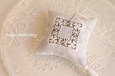 Drawnwork Embroidery Theme : Kagari Flower Pincushion - Mayu Embroidery