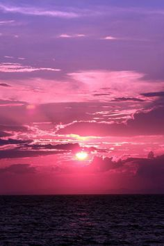 pink and purple Sunset - By: (tiphaineaubeuf)