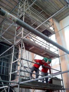 Estado previo forjado porticado bajo cubierta. Montaje de andamio, sistema de platadorma.