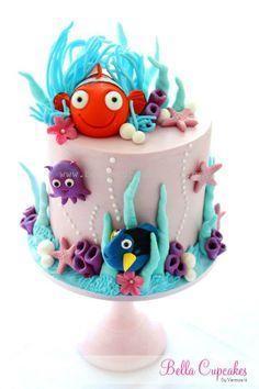 Finding Nemo Cake - My daughter would love this.