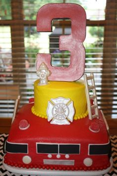 What kind of a party has wheels AND red hot adventure? It's the fireman theme! Find out the best ideas for fireman food, cakes and treats for birthday boys! Fireman Party, Firefighter Birthday, Fireman Sam, 2nd Birthday Parties, Boy Birthday, Birthday Ideas, Birthday Cakes, Fire Fighter Cake, Pokemon