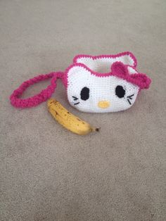 Made a Hello Kitty purse for my friend's 4yo (banana for scale)