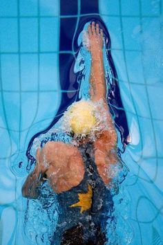 8 Easy Ways To Exercise Without Going To The Gym Informations. Best Picture For Water Sports desig Michael Phelps, Sport Motivation, Swimming Motivation, Swimming Photos, I Love Swimming, Swimming Styles, Cruisers, Foto Sport, Swimming Photography