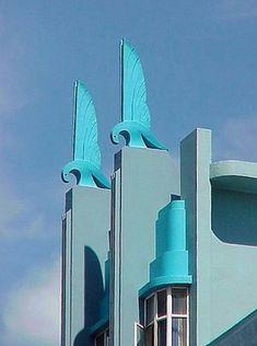 Turquoise roof birds