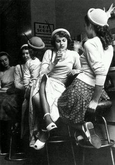 Dans Un Bar De Pigalle 1938 By Emile Savitry