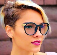 11 pretty examples of trendy short hairstyles for women with glasses! - New hairstyle - Short Hair Undercut, Undercut Hairstyles, Pixie Hairstyles, Short Hairstyles For Women, Short Hair Cuts, Short Hair Styles, Multicolored Hair, Hairstyles With Glasses, Coloured Hair