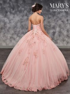 Celebrate your quinceanera in this strapless sweetheart tulle ball gown with lace appliques! Sweet 16 Dresses, 15 Dresses, Fashion Dresses, Wedding Dresses, Ruffled Dresses, Tulle Ball Gown, Ball Gowns, Mexican Quinceanera Dresses, Quinceanera Party