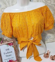 Blouse Neck Designs, Blouse Styles, Western Outfits, Asian Fashion, Shirt Blouses, Off Shoulder Blouse, Cute Outfits, Neckline, Couture