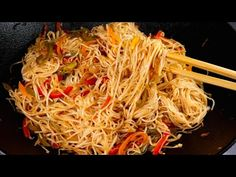 Veg Noodles Recipe By Recipes of the World - YouTube Veg Noodles Recipe, Noodle Recipes, Maggi Recipes, Asian Recipes, Ethnic Recipes, World Recipes, Japchae, Youtube, Food