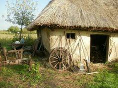 Historical Art, Historical Architecture, Architecture Design, Ukraine, Magical Home, Medieval Houses, Ukrainian Art, Watercolor Landscape Paintings, Cottage Art