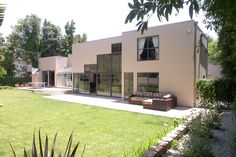 Check out this great Event space on Peerspace.com: Brentwood Event Villa in Los Angeles
