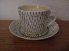 Gefle Kreol kaffekopp Coffee Cups, Tea Cups, Mcm Furniture, Uppsala, Porcelain Ceramics, Chocolate, Mugs, Retro, Tableware