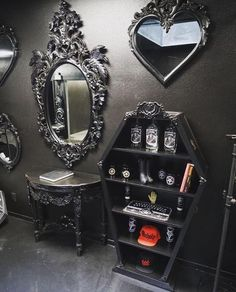 Gothic home decor. Gothic style can conjure some really dark images on one's mind. Usually, people equate it to black and nothing much else. However, Victorian gothic can be one of the most upscale and forward thinking design mindsets that anyone can do. Gothic Room, Gothic House, Victorian Gothic Decor, Gothic Baby, Goth Home Decor, Diy Home Decor, Gypsy Decor, Home Sweet Hell, Gothic Interior