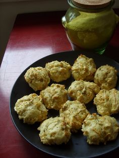 Meet The Shannons: The Betty Crocker Project : Garlic Cheesy Biscuits