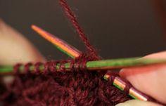 Suvikumpu: Ohje / stitch pattern Cable Knitting Patterns, Baby Knitting, Handicraft, Beauty, Style, Cape, Socks, Knitting And Crocheting, Handarbeit