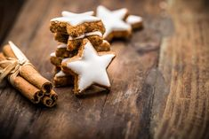 Ketogene Zimtsterne Low Carb Christmas Cookies without sugar and without carbo … - Christmas Ideas Keto Cookies, Sugar Free Cookies, Christmas Baking, Christmas Cookies, Christmas Ideas, Keto Ice Cream, Keto Snacks, Keto Recipes, Bakery